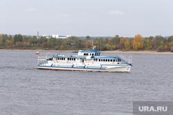 Осень жанровые фотографии Пермь, река, теплоход, корабль, осень