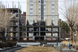 Третий день вынужденных выходных из-за ситуации с COVID-19. Екатеринбург, строительная площадка, строительство, проспект седова
