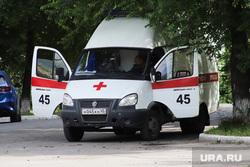 Машина скорой помощи. Курган, фельдшер, машина скорой помощи