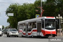 Сорок шестой день вынужденных выходных из-за ситуации с распространением коронавирусной инфекции CoVID-19. Екатеринбург, трамвай
