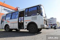 Автобусный вокзал и виды города. Курган, автовокзал, автобусная остановка, автобус, общественный транспорт, пассажиры, автобусный вокзал