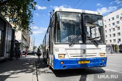 Сорок седьмой день вынужденных выходных из-за ситуации с распространением коронавирусной инфекции CoVID-19. Екатеринбург, автобус, гортранс, общественный транспорт, маршрут1, городской транспорт, автобус1
