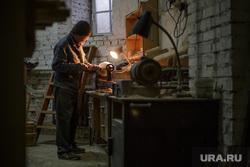 Иконописная мастерская. Пермь, столяр, религия, плотник, рабочий на заводе, рабочий на станке