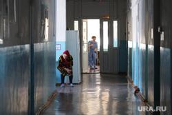 Визит врио губернатора Шумкова в Притобольный  район. Курган, больничный коридор, больница