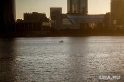 Екатеринбург во время пандемии коронавируса, река исеть, эпидемия, лодка, виды екатеринбург, covid-19