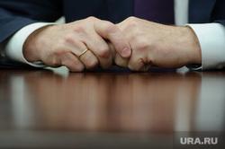Интервью с Вячеславом Погудиным. Екатеринбург, дресс-код, деловой стиль, сложенные руки, обручальное кольцо