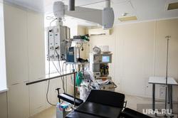 Поездка Алексея Текслера в ОКБ-2 для проверки готовности к пандемии. Челябинск, палата, роддом, медики, медицина, врачи, больница, ивл, аппарат ивл