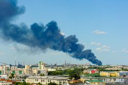 Пожар на улице Валдайская. Челябинск, пожар, дым над городом