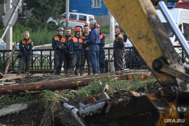 Последствия паводка в Нижних Сергах. Свердловская область