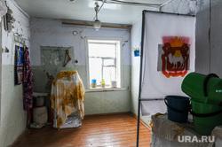 Избирательный участок в деревне Ключи, Сосновского района. Челябинскоя область, герб челябинской области, избирательный участок, урна для голосования