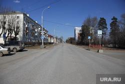 Виды города в период самоизоляции. 6 пареля 2020. Пермь, пустая дорога, улица кировоградская пермь