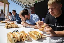 Конкурс по поеданию хот-догов. Пермь, хот-дог, еда, фастфуд