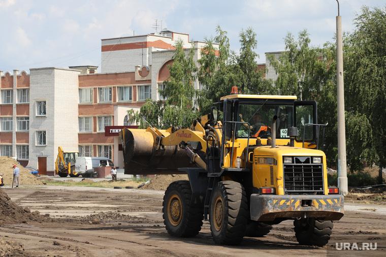 Ремонтные работы по благоустройству территории гимназии 27. Курган