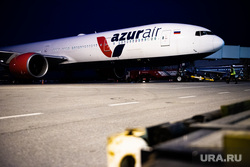Флагманский самолет Boeing 777-300ER авиакомпании «AZUR air». Екатеринбург, боинг, azur air, азур эйр, авиакомпания azur air, боинг 777-300, boeing 777-300ER