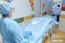 Больница, травматология. Челябинск, скорая, реанимация, операционная, больной, травма, операция, врачи, больница, каталка больничная