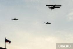 Репетиция торжественного построения войск Челябинского гарнизона. Челябинск, кукурузник, самолеты, авиация, ан24