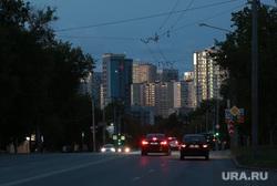 Предвыборные плакаты и виды города. Пермь, новостройки, улица