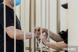 Продление меры пресечения Пашкову. Челябинск , арест, заключение, тюрьма, задержанный, суд, клетка, наручники
