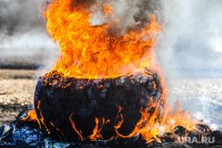 Танковый биатлон. Чебаркульский военный полигон. Челябинская область, пожар, огонь, колесо горит, пламя