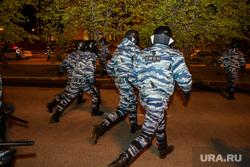 Третий день протестов против строительства храма Св. Екатерины в сквере у театра драмы. Екатеринбург, омон, правоохранительные органы