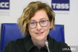 Пресс-конференция по Пятой индустриальной биеннале. Екатеринбург, портрет, прудникова алиса