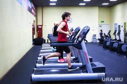 Позы к 14 февраля от Power House Gym. Екатеринбург, фитнес-центр, тренажеры, беговая дорожка