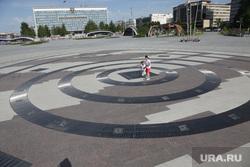 Город в период самоизоляции 27 мая 2020. Пермь, дети, фонтан, эспланада пермь