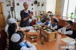 Школьный урок посвященный Сталинградской битве. Челябинск, урок в школе, сбор посылки на фронт, кибиткина галина