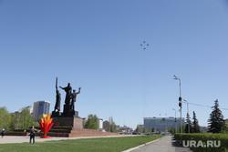 Виды города 9 мая День Победы. Пермь, самолеты, миг-31, памятник героям фронта и тыла пермь