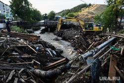 Последствия паводка в Нижних Сергах. Свердловская область, последствия паводка, город нижние серги