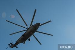 Костюмированная автоколонна и воздушный парад ко Дню Победы. Екатеринбург, вертолет, перевозка грузов, ми-26, грузовой вертолет