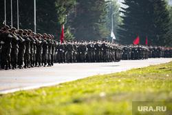 Репетиция парада, посвященного 75-й годовщине Победы в Великой Отечественной войне в 32-м военном городке. Екатеринбург, военные, марш, защитная маска, военнослужащие цво, репетиция парада, маска на лицо, военнослужащие, 32военный городок