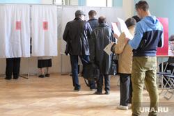 Выборы. Екатеринбург, избирателный участок, выборы 2016, избирательная кабинка, выборы госдума, выборы екатеринбург