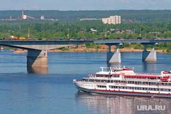 Виды города. Пермь, мост, река кама, пароход