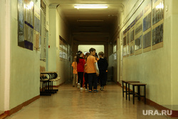 Школа №127. Первый учебный день после нападения. Пермь, школьный коридор, дети, школа, школьники