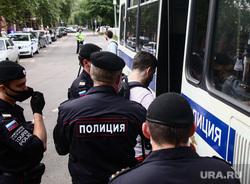 Акция профсоюза журналистов в поддержку Ивана Сафронова около СИЗО «Лефортово». Москва, полицейские, полиция, задержание