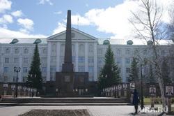 Парад Победы. Ханты-Мансийск, Нижневартовск, дом правительства хмао