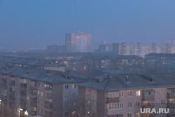 Виды города. Смог. Старые гаражи. Курган, задымление, смог в городе, дым, смог, туман