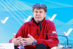Дмитрий Губерниев и Наталья Ищенко на вечерней сессии Медиафорума ОНФ