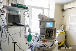 Поездка Алексея Текслера в ОКБ-2 для проверки готовности к пандемии. Челябинск, роддом, медики, медицина, врачи, больница, ивл, аппарат ивл