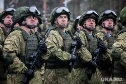 Памятные мероприятия в Пскове ко дню 20-ти летия подвига 6 роты 104 гвардейского парашютно-десантного полка. Псков, вдв, десантники, десант, армия, военные, солдаты, марш, военнослужащие, парад, строй, смотр строя