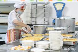 Школьная столовая в школе №136. Екатеринбург, еда, кухня, приготовление пищи, столовая, школьное питание, школьная кухня, готовка еды