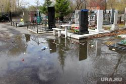 Рябковское кладбище Православная церковь Курган, кладбище рябково, центральная аллея