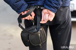 Группа реагирования охранного предприятия Дельта. Челябинск, арест, барсетка, нарушитель, наручники