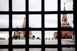 Москва во время объявленного режима самоизоляции. Москва, кремль, красная площадь, спасская башня, москва