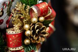Подготовка к Рождеству Христову в Ново-Тихвинском женском монастыре. Екатеринбург, новогодние украшения, рождество, шишка, новый год, новогодние подарки, новогодние игрушки