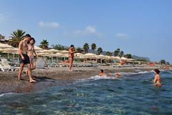 Клипарт depositphotos.com, море, туристы, пляж, турция, жара, купание в море