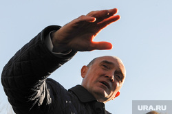 Поездка Бориса Дубровского в сквер Плодушка. Челябинск, портрет, жест рукой, дубровский борис