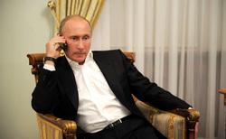 Клипарт. Сток Сайт президента России, телефон, разговор по телефону, путин владимир
