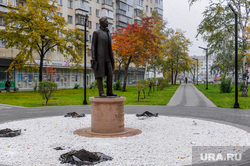 Памятник татарскому поэту Габдулле Тукаю. Челябинск, скульптура, габдулла тукай, памятник